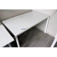 stalen schrijftafel