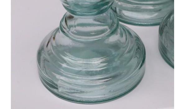 3 glazen kandelaars, diam 10,5cm en h plm 30cm