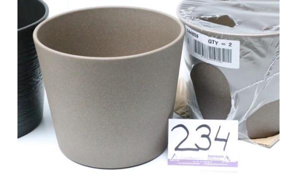 2 plantenpotten, bruin, diam plm 22,5cm, h plm 19,5cm