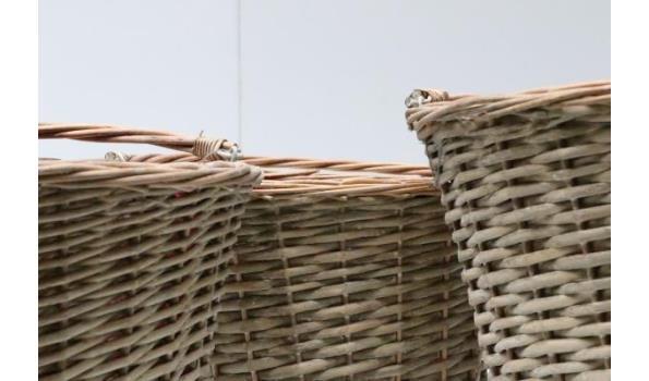 sets van 3 div rieten plantenmanden, diam plm 34, 37 en 44cm, h plm 27, 28 en 32cm