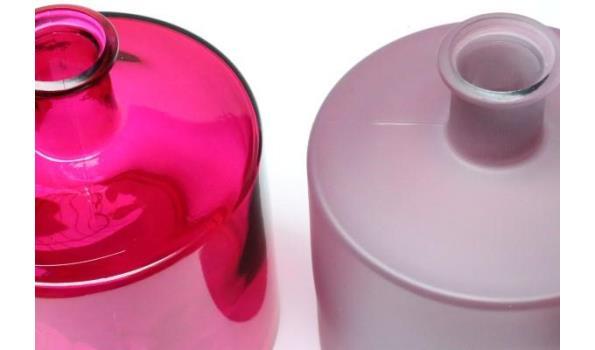2 decoratieve glazen vazen, fuchia, afm plm 41x21,5x27,5cm