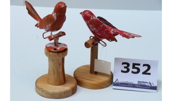 doos inh 24 div decoratieve vogeltjes op stokje, h plm 23cm