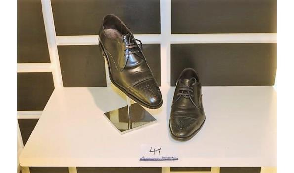 paar schoenen CANALI maat 44