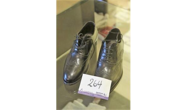paar shoenen CANALI m43