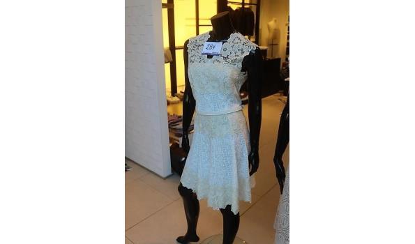 paspop compleet met jurk